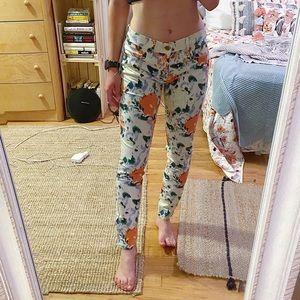3/$19✨ Gap Floral Pants